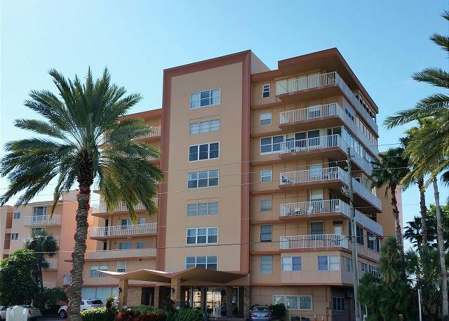 Redington Reef 507 - 2 BR Gulf View  Now Available for March & April 2015!! - Image 1 - North Redington Beach - rentals