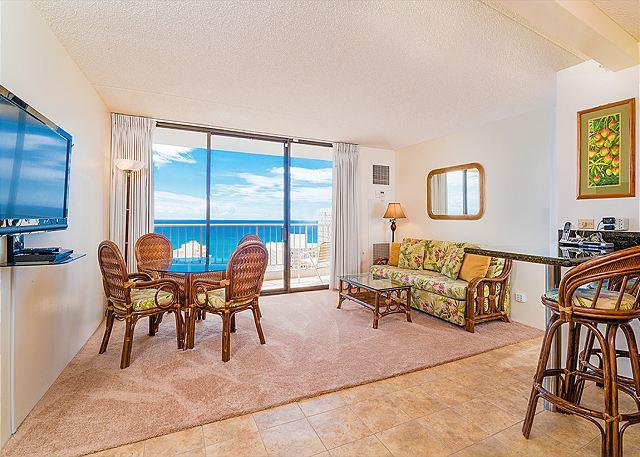 Ocean views - 1 bedroom, AC, WiFi, pool, parking.  Close to beach.  Sleeps 4. - Image 1 - Waikiki - rentals