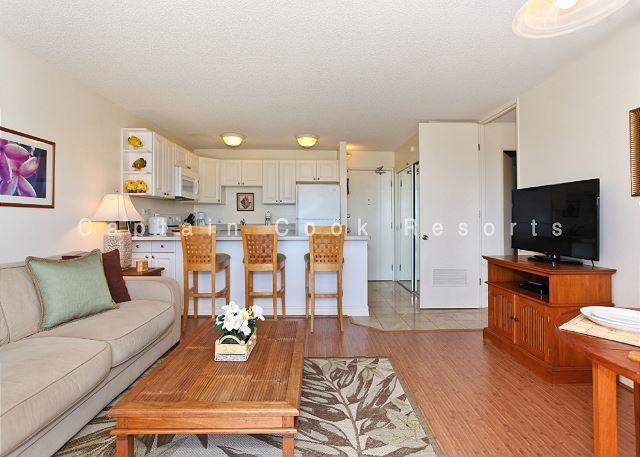 Secure one-bedroom with full kitchen, parking & ocean/sunset views! - Image 1 - Honolulu - rentals