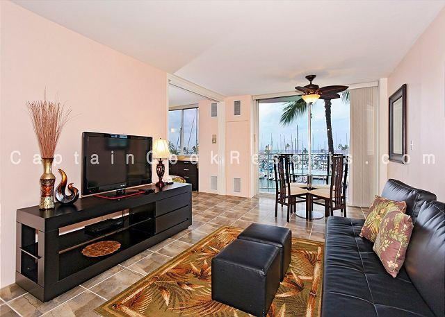 Central A/C and fan - Updated one-bedroom with A/C, WiFi & views of the marina!  Sleeps 4. - Waikiki - rentals