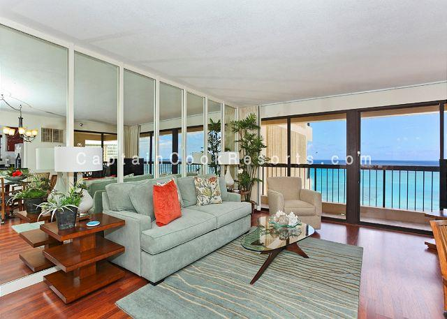 Luxurious Ocean view 2 bed 2 bath condo with pool, spa, parking - sleeps 6 - Image 1 - Waikiki - rentals