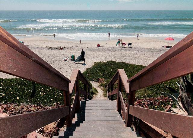 property is just steps away from the beach! - 2br, 2ba Beach Front Vacation Rental in Carlsbad & A/C Equipped - Carlsbad - rentals