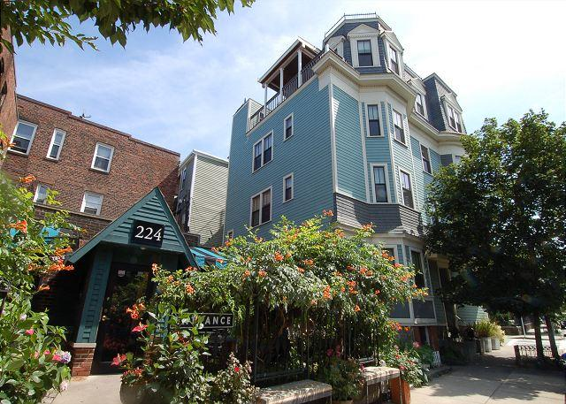 Exterior - Lovely penthouse in Central Boston close to all attractions and transport! - Boston - rentals