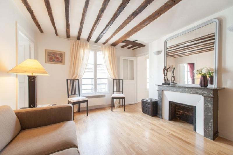 Spacious livingroom - Spacious 2 bedroom in Le Marais - Paris - rentals