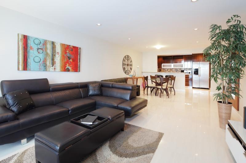 1BR Condo in Sunny Isles  ****Special $399/NIGHT** - Image 1 - Sunny Isles Beach - rentals