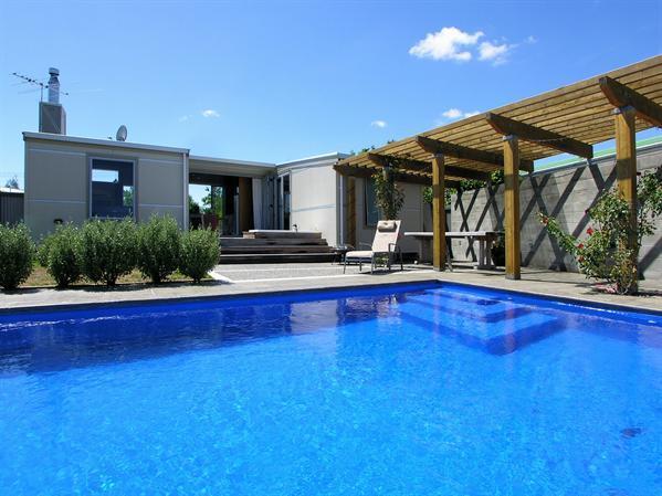 Poolside Splendour - Martinborough Holiday Home - Poolside Splendour - Martinborough Holiday Home - Martinborough - rentals