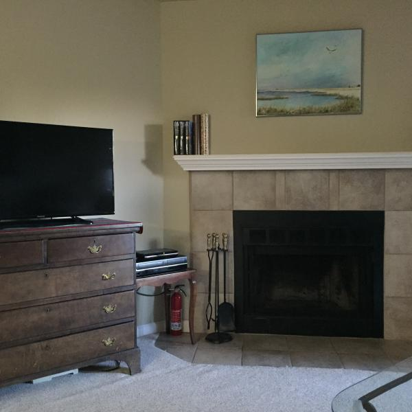 Beautiful living room. New flat screen TV. - October 5-18 available 2016 in  Boulder, Colorado - Boulder - rentals