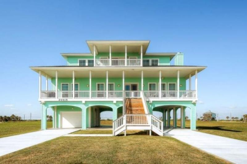 Luxurious home w/ ocean views, shared pool, hot tub, & more! - Image 1 - World - rentals