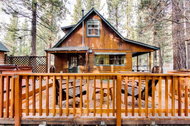 Cozy getaway with private hot tub and many other modern amenities! - Image 1 - Big Bear Lake - rentals