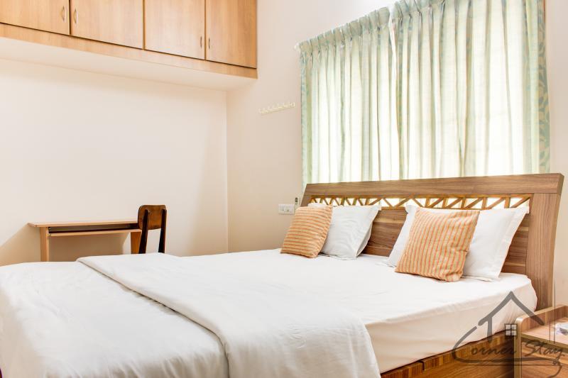 Deluxe room-view 1 - Corner Stay Serviced Apartment-Singanallur-Deluxe - Coimbatore - rentals