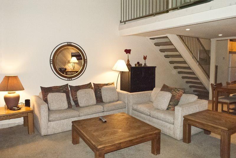 Large open living area  - Sunburst #2786, Elkhorn - Great Condo with Updated Kitchen: - Sun Valley - rentals