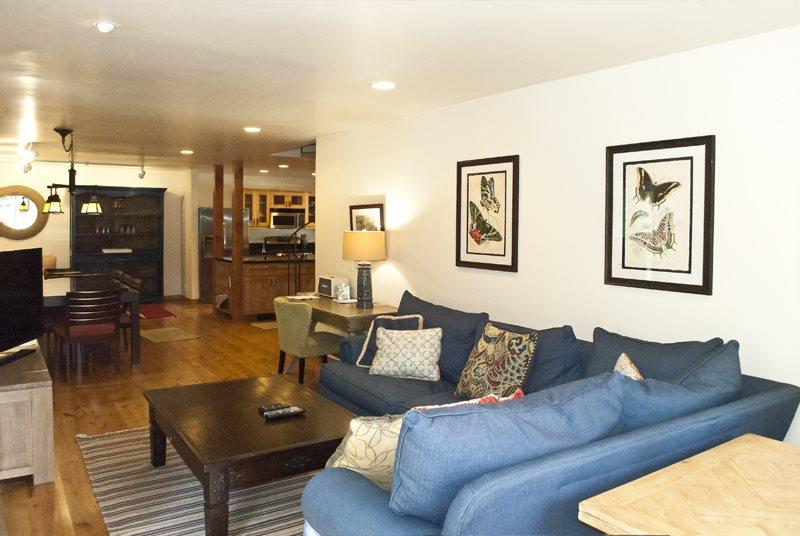 Upgraded kitchen and open dining area  - Sun and Powder #11, Ketchum Condo on River close to River Run and Ketchum; - Ketchum - rentals