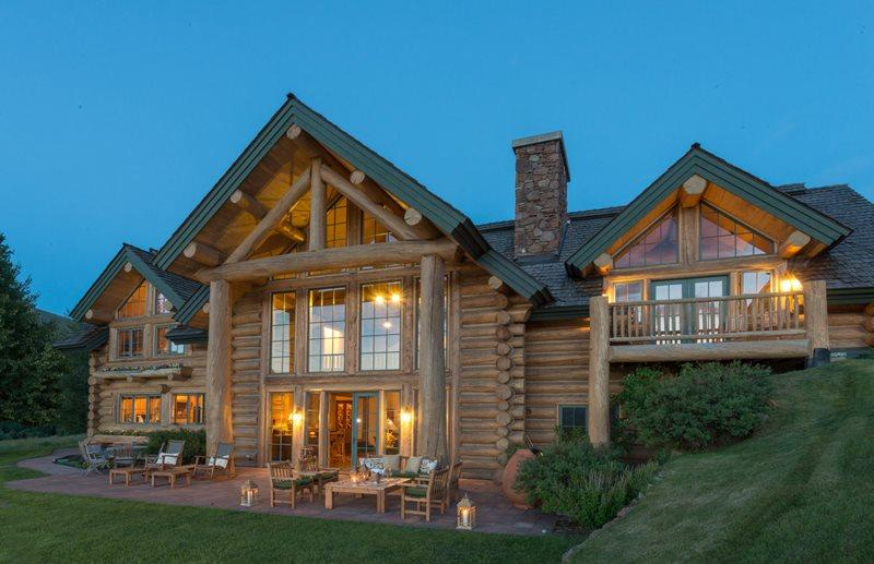 "Beautiful Log home located in Elkhorn  - Juniper 420 – ""Terra"" – Grand Lodge with Boulder Mountain Views - Ketchum - rentals"