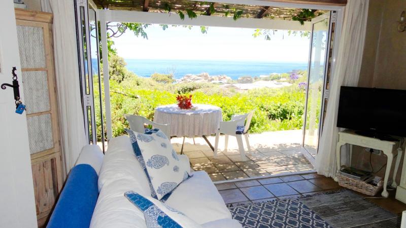 Sea view from living area - Petit Paradis overlooking Llandudno beach - Llandudno - rentals