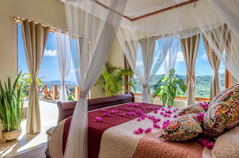 Far Master Bedroom - Sadewa Villa - Spring Bay - rentals