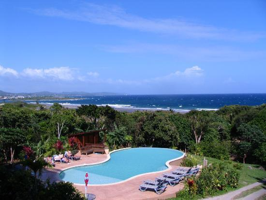 View of pool and sea - 3 BR SEASIDE CONDO--GREAT VIEWS, POOL & SNORKELING - Roatan - rentals