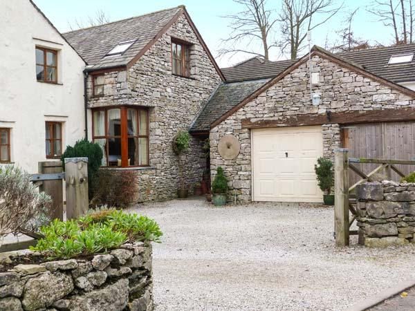 WOODLANDS, open fire, WiFi, en-suite bathroom, character cottage in Great Urswick, Ref. 918749 - Image 1 - Great Urswick - rentals