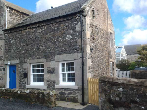 KIRK COTTAGE, woodburning stove, enclosed decked area, romantic retreat, ideal base for exploring Borders, near Jedburgh, Ref 918851 - Image 1 - Morebattle - rentals