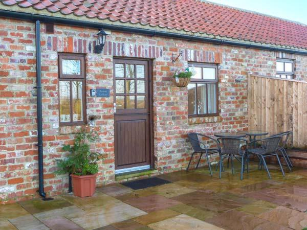 BEACON, red brick barn conversion, single-storey, walks from door, near Moorsholm and Saltburn-by-the-Sea, Ref 919672 - Image 1 - Liverton - rentals