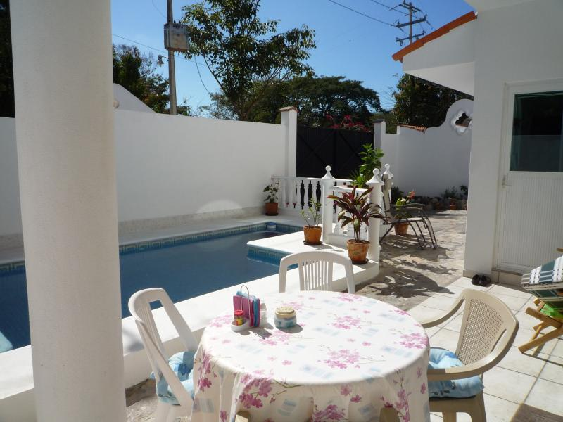 Pool Patio with built in BBQ - Detached 4 Bed, villa,POOL, at the Beach. slps 8/9 - La Cruz de Huanacaxtle - rentals