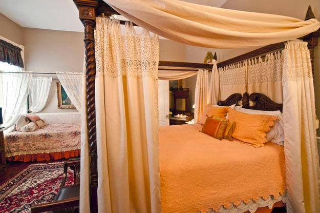 The Abercorn room - one queen and one twin - Abercorn Room in Historic District (sleeps 2-3) - Savannah - rentals