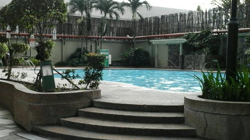 3BR Apartment near EDSA Boni/Pioneer with WiFi - Image 1 - Makati - rentals
