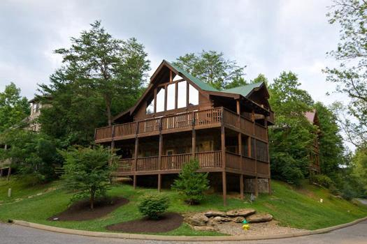 MOUNTAIN MUSIC - Image 1 - Pigeon Forge - rentals