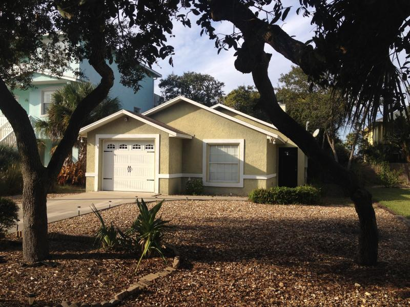 Front of house - Sandy Trails Beach Cottage - Ormond Beach - rentals