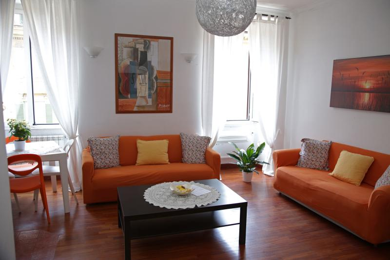 Bubblehouse Elegant Apart in Rome close to Vatican - Image 1 - Rome - rentals