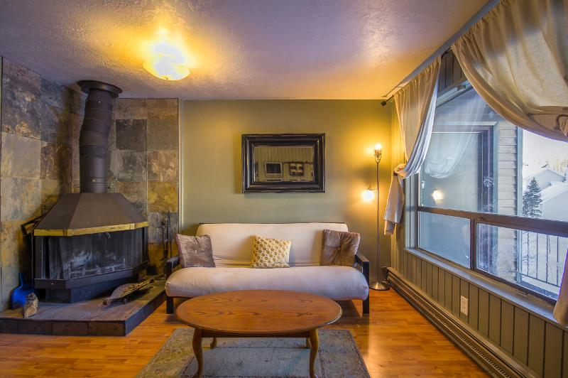 Completely updated, Ski to lifts or mountain bike to trails, 1 Bedroom... Enough Units in same complex for Groups! (303) - Image 1 - Brian Head - rentals