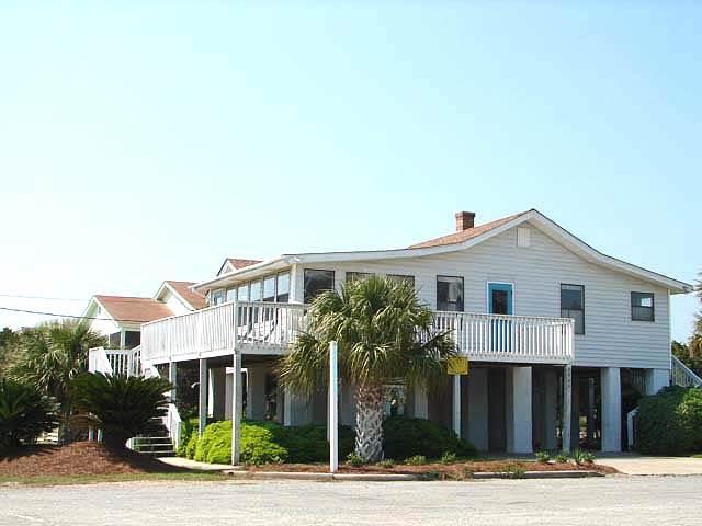 """2905 Point St - """"Kaptain's Kottage"""" - Image 1 - Edisto Beach - rentals"""