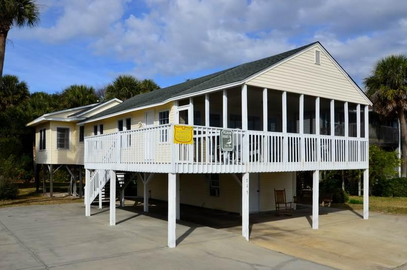 "715 Palmetto Blvd - ""No Regrets"" - Image 1 - Edisto Beach - rentals"