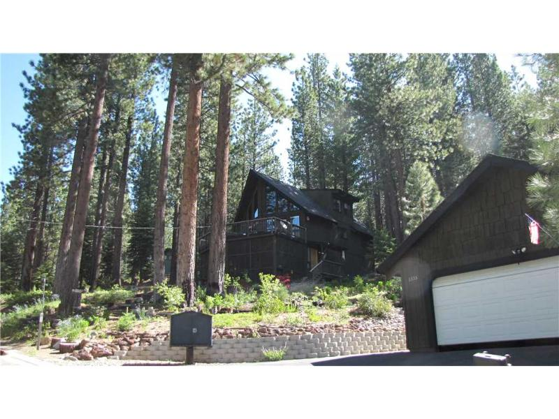 Charming Tahoe Home Nestled in the Pine Trees with a Private Hot Tub (MY69) - Image 1 - South Lake Tahoe - rentals