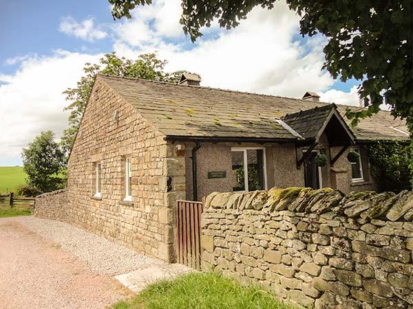 BRIDLEWAY COTTAGE, woodburner, WiFi, modern conveniences and furnishings, cottage near Bentham, Ref 916112 - Image 1 - Wray - rentals