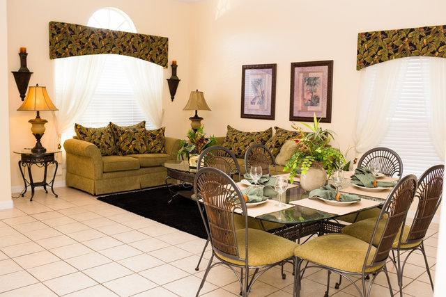 Formal living room and dining area - Tropical 5 bed home, private pool with spa! - Clermont - rentals