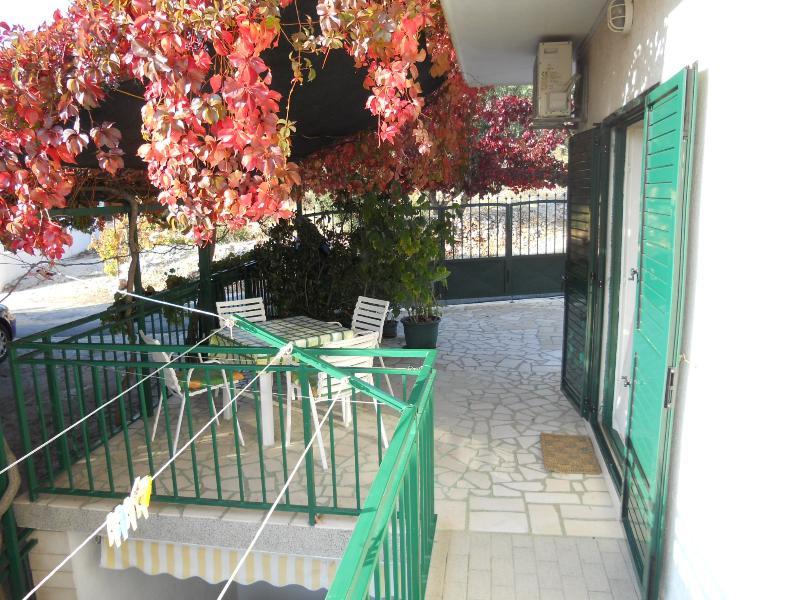 Apartments Nediljka - 14121-A2 - Image 1 - Ivan Dolac - rentals