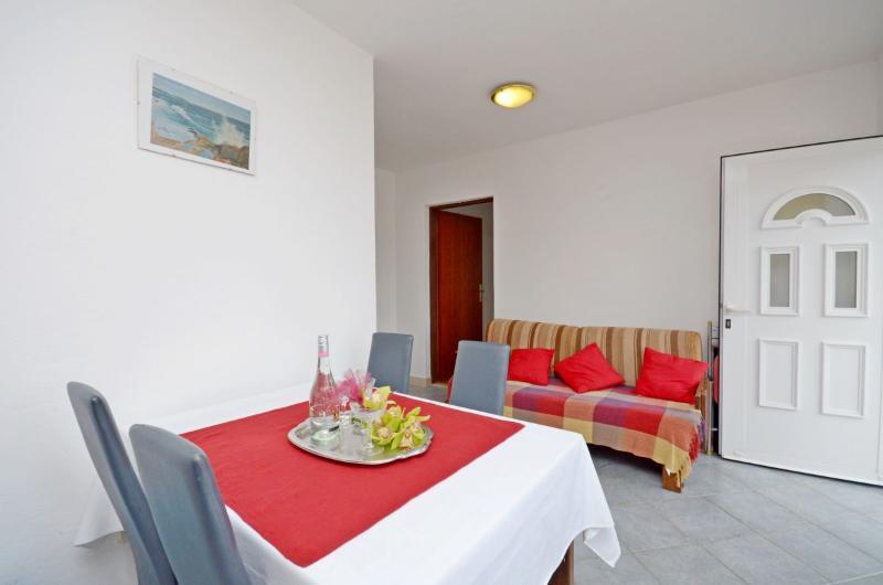 Apartments Maja - 30881-A2 - Image 1 - Okrug Gornji - rentals