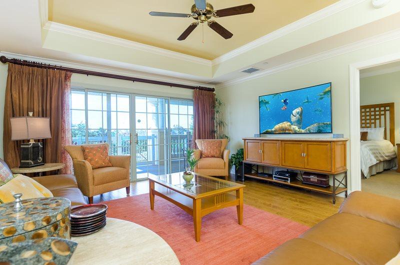 Updated Luxury Living Room with Beautiful Hard Wood Floors - 58966 - Florida - rentals
