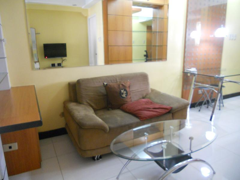 Couch - A Cozy Space Beside Greenbelt - Makati - rentals