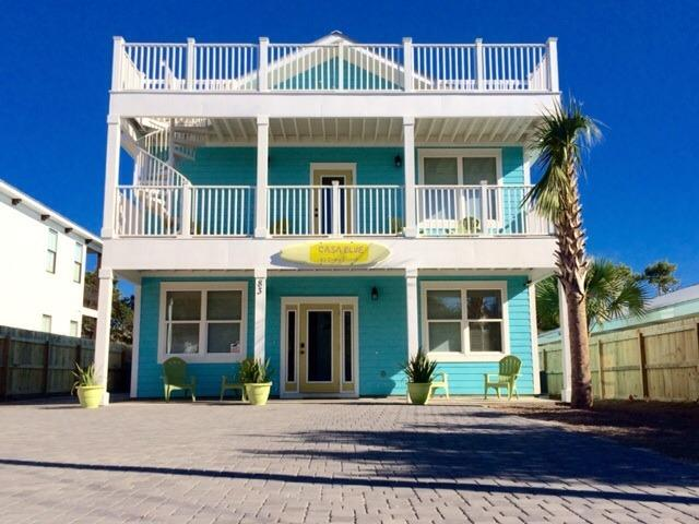 Welcome to Casa Blue!  Plenty of parking. 3100 sq ft. Sleeps 20.  One short block to Crystal Beach. - BRAND NEW | Destin | 6 BR-20 PP | Steps to Beach - Destin - rentals