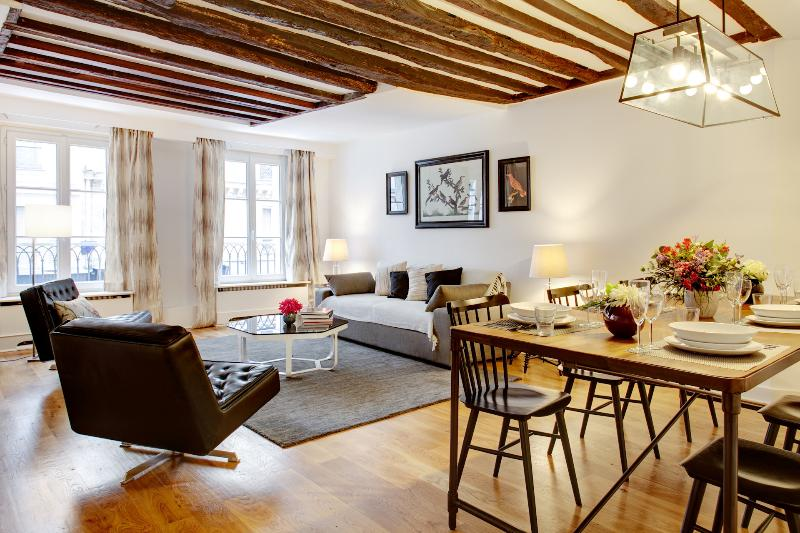 SAINT-GERMAIN MAZARINE : 2 Bedrooms 2 Bathrooms - Image 1 - Paris - rentals