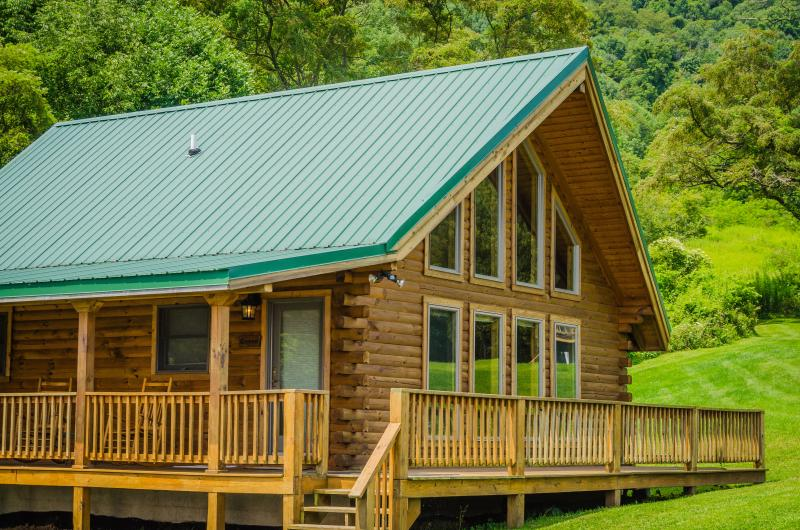 luxury cabin & wrap around deck - Luxurious Honeymoon Cabin - Honeymoon Queen - Canaan Valley - rentals