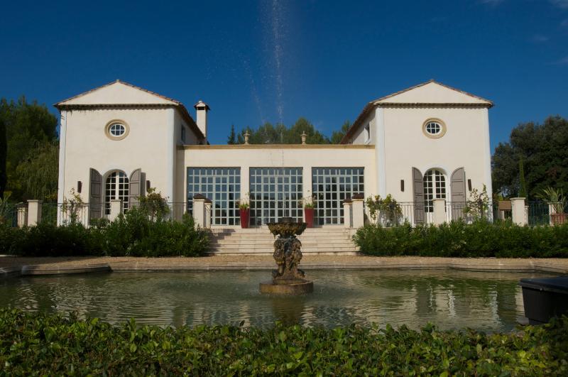 Property Entrance - Villa-Fontaine, Luxury 6 Bedroom Villa om Aix en Provence - Aix-en-Provence - rentals