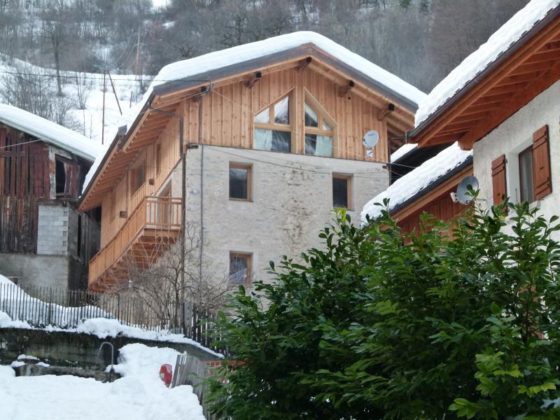 Farmhouse nestled in the savoyard hamlet of La Combe. - Fantastic Savoyard Farmhouse in 3 valleys ski area - Saint-Martin-de-Belleville - rentals