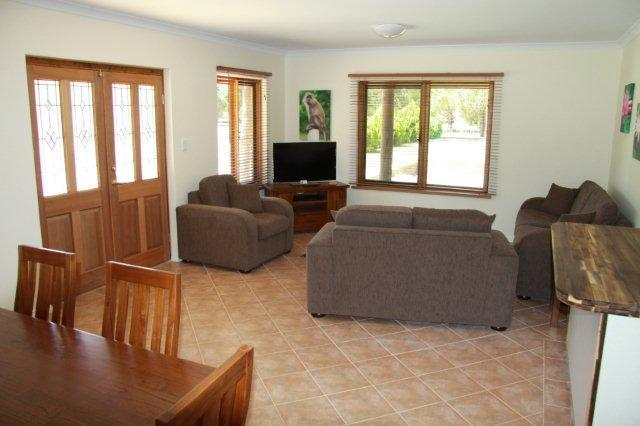 Karinya - fully self-contained 2 bedroom suite - Coranda Lodge - Perth - rentals