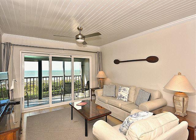Living Area - Lands End #403 building 8 - Beach Front - Treasure Island - rentals