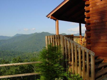Smoky Mountain Getaway -- Minutes from Cherokee, Dillsboro,  Sylva, NC - Smoky Mountain Getaway – Close to WCU & Harrahs's Casino. Porch Rockers to Enjoy a Panoramic View, Secluded with Pool Table and Hot Tub - Dillsboro - rentals