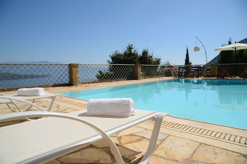 Relax by the private pool - Luxurius, spectacular seaviews, pool -villa Arion - Nikiana - rentals