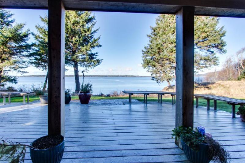Bayfront, dog-friendly beach home with amazing views, sauna, & Jacuzzi - Image 1 - Netarts - rentals