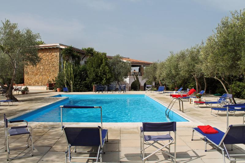 Pool and she - SUNFLOWER VILLA: luxury villa with pool and privat - Brucoli - rentals